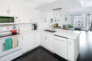 """Photo 5: 506 5775 HAMPTON Place in Vancouver: University VW Condo for sale in """"THE CHATHAM"""" (Vancouver West)  : MLS®# R2135882"""