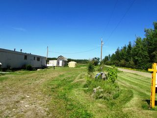 Photo 11: 3941 247 Road in Kiskatinaw: BCNREB Out of Area Manufactured Home for sale (Fort St. John (Zone 60))  : MLS®# R2327027