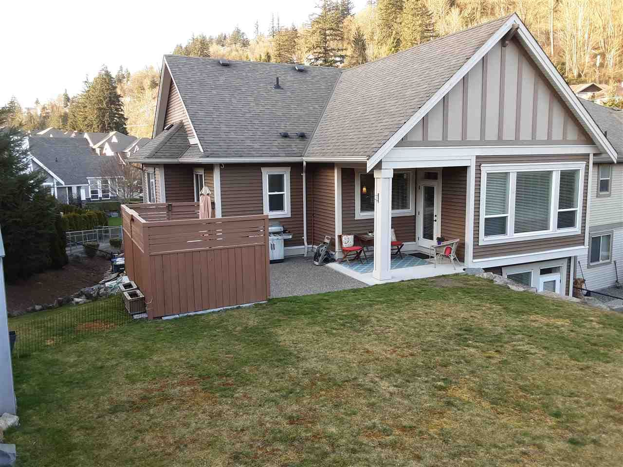 """Photo 7: Photos: 2237 CAMERON Crescent in Abbotsford: Abbotsford East House for sale in """"DEERWOOD ESTATES"""" : MLS®# R2562086"""