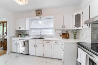 Photo 13: 8 Dumbarton Road in Toronto: Stonegate-Queensway House (Bungalow) for sale (Toronto W07)  : MLS®# W5232182