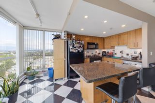 """Photo 10: 2101 120 MILROSS Avenue in Vancouver: Downtown VE Condo for sale in """"Brighton"""" (Vancouver East)  : MLS®# R2617891"""