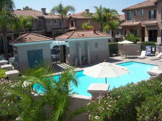 Photo 3: MISSION VALLEY Townhouse for sale : 2 bedrooms : 938 Camino De La Reina #78 in San Diego