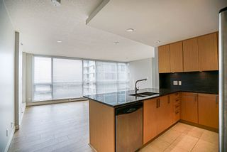 """Photo 3: 906 2978 GLEN Drive in Coquitlam: North Coquitlam Condo for sale in """"GRAND CENTRAL ONE"""" : MLS®# R2204292"""
