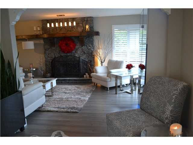 Photo 2: Photos: 944 MANSFIELD CR in Port Coquitlam: Oxford Heights House for sale : MLS®# V1092711