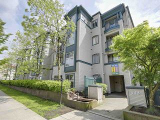 "Photo 2: 209 688 E 16TH Avenue in Vancouver: Fraser VE Condo for sale in ""VINTAGE EASTSIDE"" (Vancouver East)  : MLS®# R2168610"