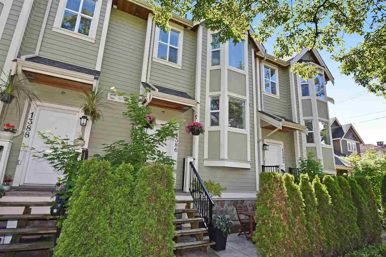 "Main Photo: 1386 E 27TH Avenue in Vancouver: Knight Townhouse for sale in ""VILLA @27"" (Vancouver East)  : MLS®# R2074490"
