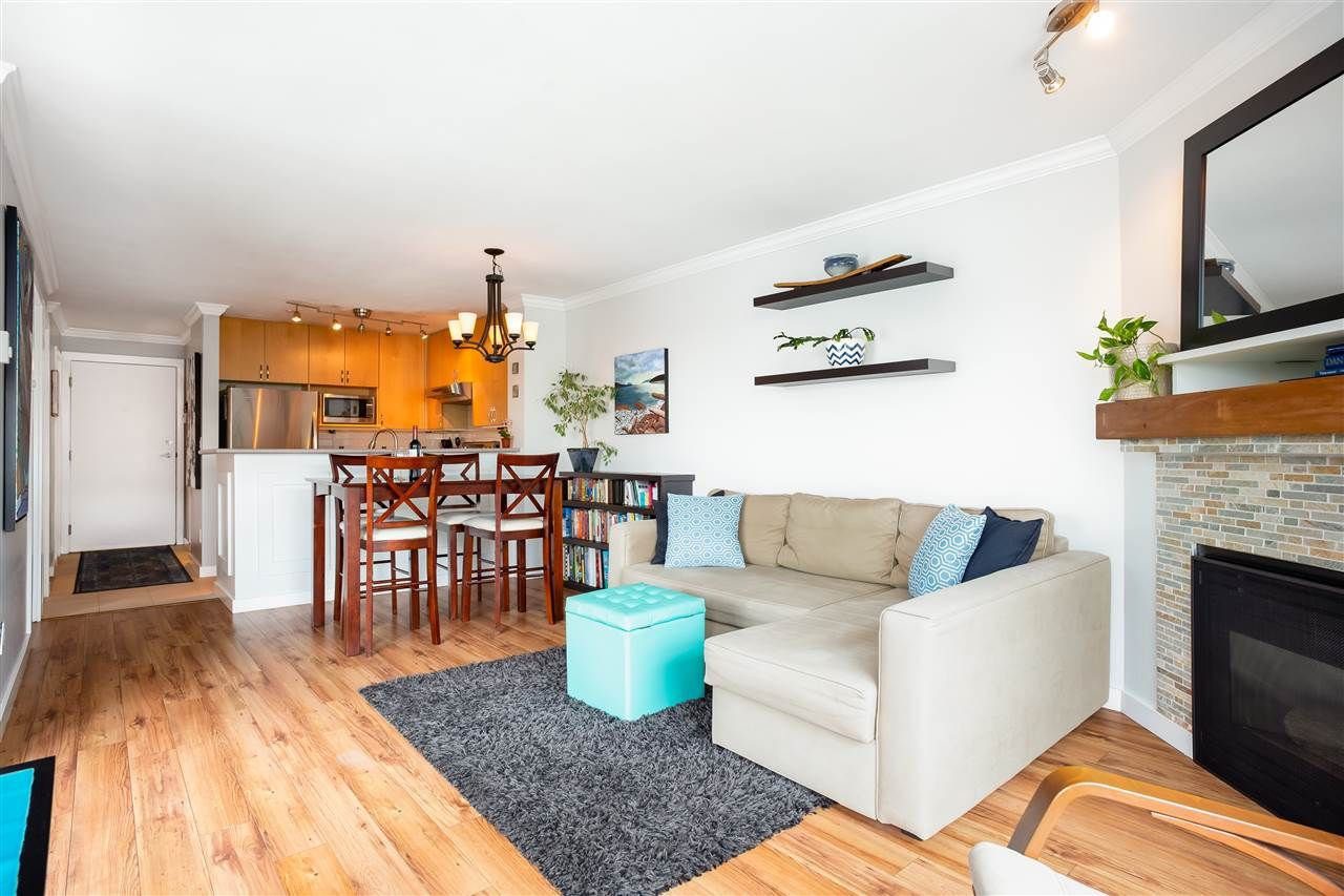 Main Photo: 309 124 W 3RD STREET in : Lower Lonsdale Condo for sale : MLS®# R2295472