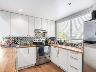 """Photo 18: 28 E 19TH Avenue in Vancouver: Main House for sale in """"MAIN"""" (Vancouver East)  : MLS®# R2161603"""