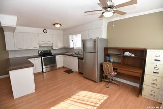 Photo 2: 809 7th Street North in Nipawin: Residential for sale : MLS®# SK848879