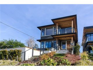 Photo 2: 198 N GLYNDE Avenue in Burnaby: Capitol Hill BN House for sale (Burnaby North)  : MLS®# V1053985
