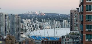 """Photo 2: 2810 777 RICHARDS Street in Vancouver: Downtown VW Condo for sale in """"Telus Garden"""" (Vancouver West)  : MLS®# R2616942"""