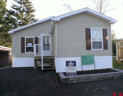 """Main Photo: 85 24330 FRASER Highway in Langley: Otter District Manufactured Home for sale in """"Langley Grove Estates"""" : MLS®# F2927033"""