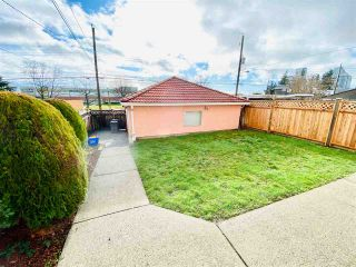 Photo 19: 62 W 63RD Avenue in Vancouver: Marpole House for sale (Vancouver West)  : MLS®# R2435673