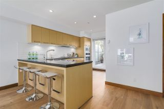 """Photo 7: 214 1961 COLLINGWOOD Street in Vancouver: Kitsilano Townhouse for sale in """"VIRIDIAN GREEN"""" (Vancouver West)  : MLS®# R2205025"""