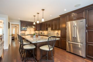 Photo 2: 51 E 42ND Avenue in Vancouver: Main House for sale (Vancouver East)  : MLS®# R2544005