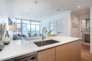 """Photo 10: 1708 6098 STATION Street in Burnaby: Metrotown Condo for sale in """"STATION SQUARE"""" (Burnaby South)  : MLS®# R2601088"""