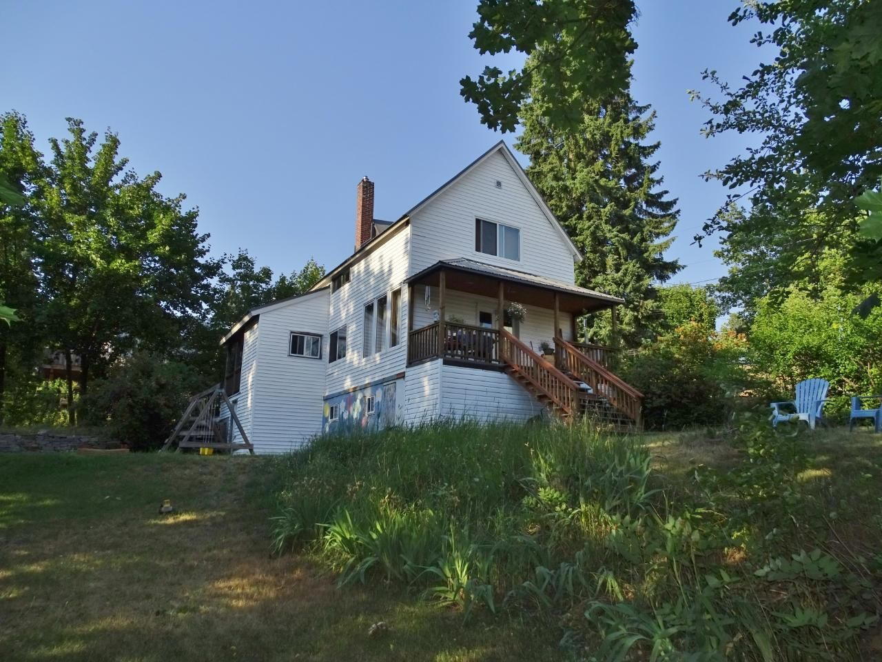 Main Photo: 2376 LEROI AVENUE in Rossland: House for sale : MLS®# 2458347