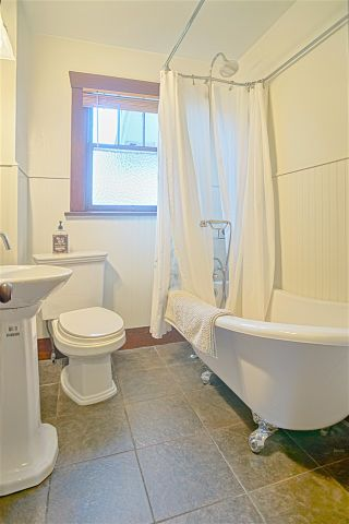 Photo 8: 3630 OXFORD STREET in Vancouver: Hastings East House for sale (Vancouver East)  : MLS®# R2137859