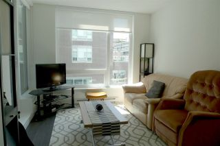 """Photo 3: 308 5515 BOUNDARY Road in Vancouver: Collingwood VE Condo for sale in """"WALL CENTRE CENTRAL PARK"""" (Vancouver East)  : MLS®# R2184017"""