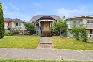Photo 1: 3073 E 21ST Avenue in Vancouver: Renfrew Heights House for sale (Vancouver East)  : MLS®# R2595591