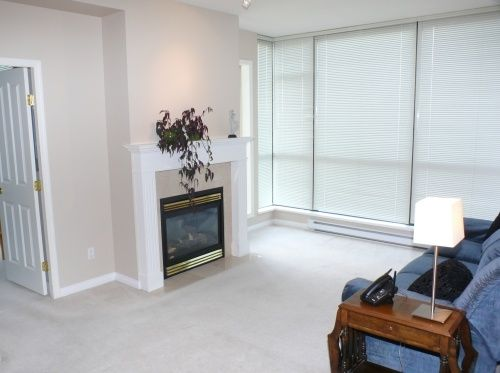 """Photo 2: Photos: 1408 6837 STATION HILL Drive in Burnaby: South Slope Condo for sale in """"THE CLARIDGES - CITY IN THE PARK"""" (Burnaby South)  : MLS®# V770790"""