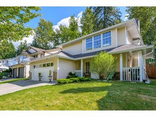 Photo 2: 20906 94B Avenue in Langley: Walnut Grove House for sale : MLS®# R2588738