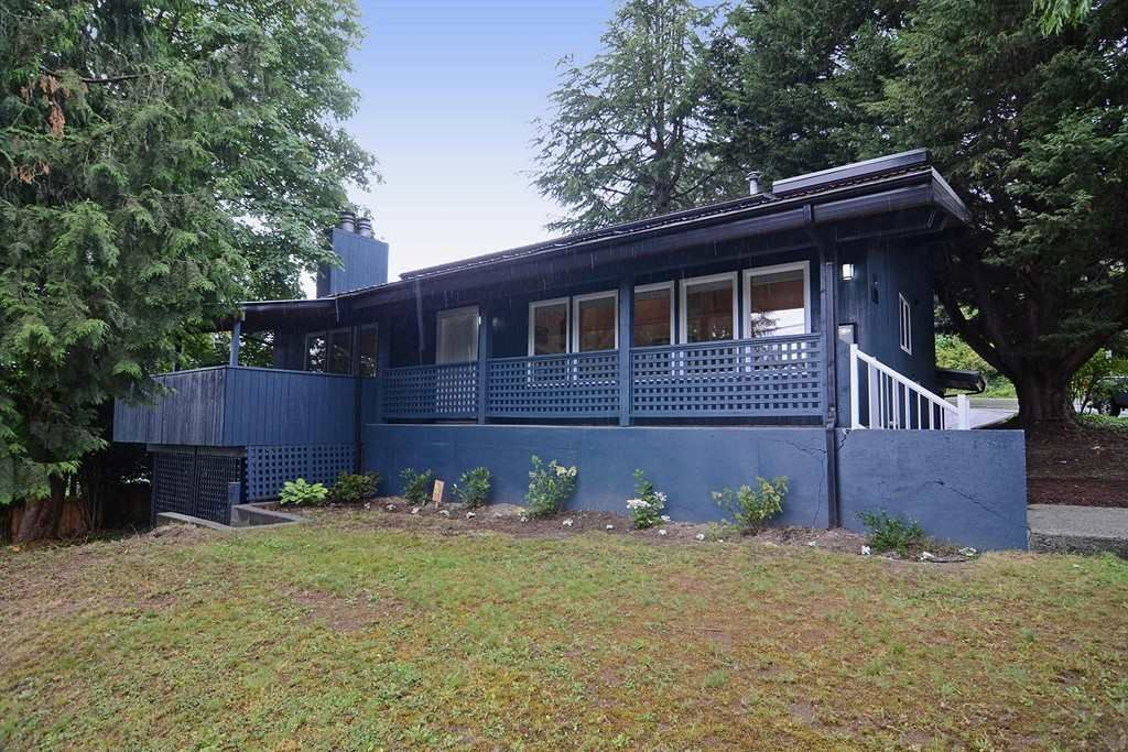 Main Photo: 296 MARINER Way in Coquitlam: Coquitlam East House for sale : MLS®# R2079953