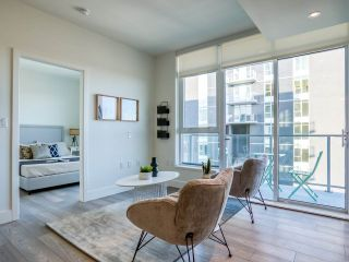 """Photo 6: 1301 8570 RIVERGRASS Drive in Vancouver: South Marine Condo for sale in """"AVALON PARK 2 - RIVER DISTRICT"""" (Vancouver East)  : MLS®# R2444110"""