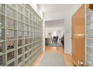 Photo 4: 4925 QUEENSLAND Road in Vancouver: University VW House for sale (Vancouver West)  : MLS®# R2027458