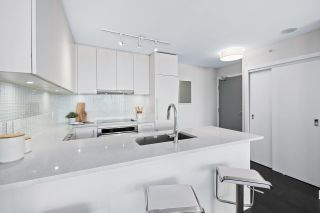 """Photo 5: 1109 668 COLUMBIA Street in New Westminster: Quay Condo for sale in """"Trapp + Holbrook"""" : MLS®# R2591740"""
