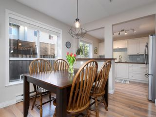 Photo 7: 208 1371 Hillside Ave in : Vi Oaklands Condo for sale (Victoria)  : MLS®# 870353