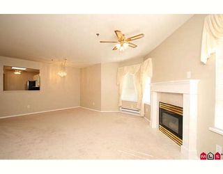 """Photo 5: 109 5955 177B Street in Surrey: Cloverdale BC Condo for sale in """"Windsor Place"""" (Cloverdale)  : MLS®# F2916723"""