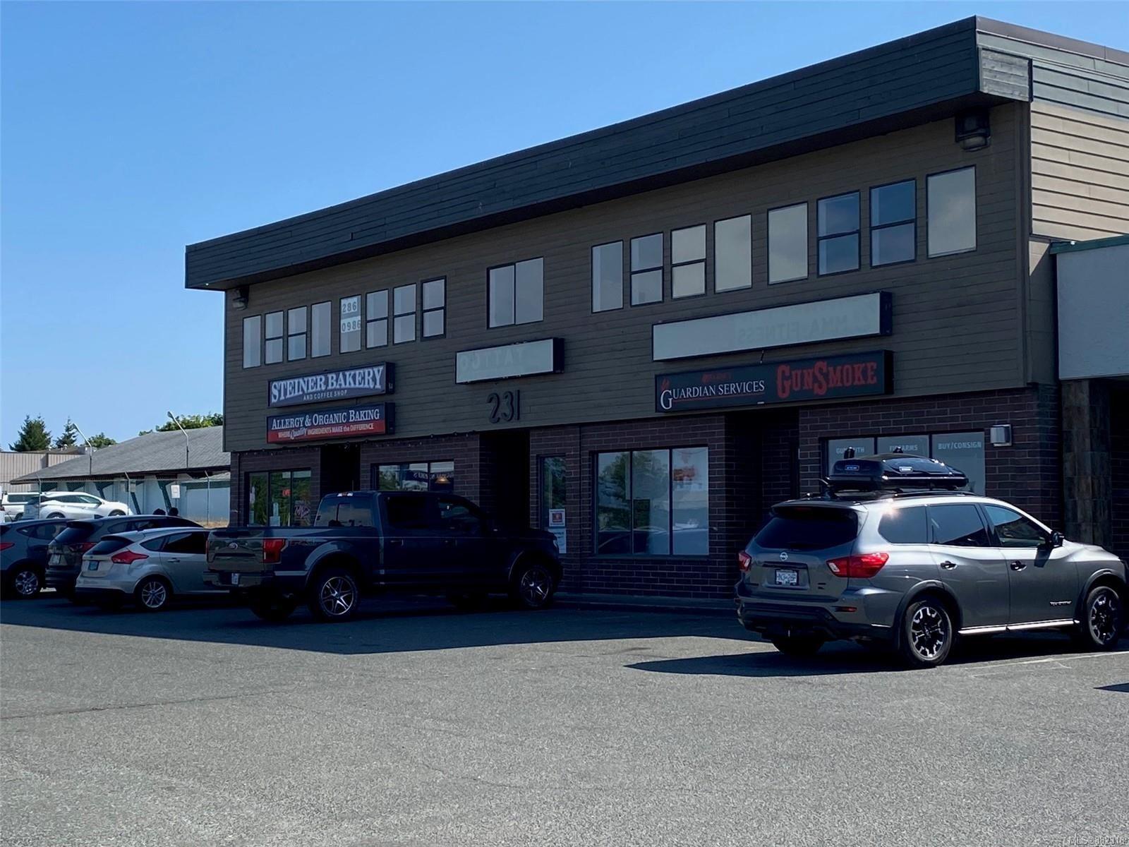 Main Photo: 231 Dogwood St in Campbell River: CR Campbell River Central Mixed Use for sale : MLS®# 882318