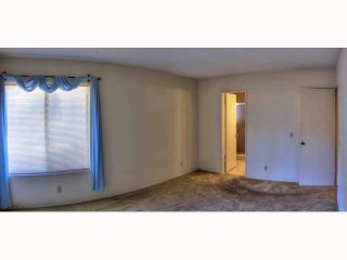 Photo 5: OCEANSIDE House for sale : 5 bedrooms : 2105 Maxson