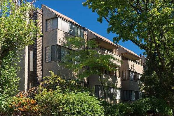 Main Photo: 202 8775 Cartier Street in Vancouver: Marpole Condo  (Vancouver West)  : MLS®# V1041981