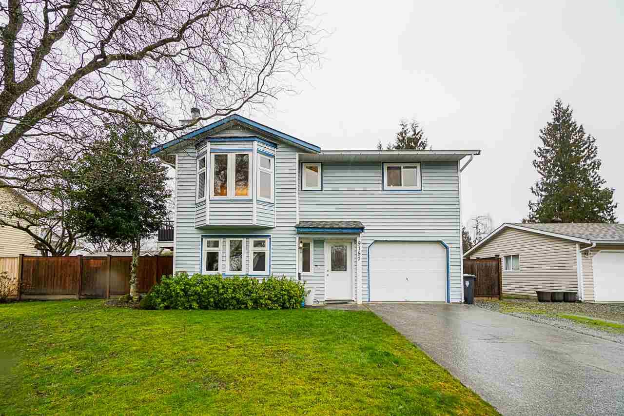 Main Photo: 9157 212A Place in Langley: Walnut Grove House for sale : MLS®# R2539503