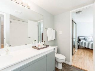 """Photo 7: 3209 33 CHESTERFIELD Place in North Vancouver: Lower Lonsdale Condo for sale in """"HARBOURVIEW PARK"""" : MLS®# R2008580"""