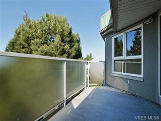 Photo 16: 404 2520 Wark St in VICTORIA: Vi Hillside Condo for sale (Victoria)  : MLS®# 692859
