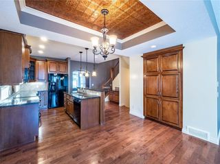 Photo 8: 529 24 Avenue NE in Calgary: Winston Heights/Mountview Semi Detached for sale : MLS®# A1021988