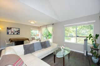 """Photo 14: 3 9000 ASH GROVE Crescent in Burnaby: Forest Hills BN Townhouse for sale in """"Ashbrook Place"""" (Burnaby North)  : MLS®# R2615088"""