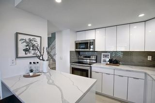 Photo 6: 109 2200 Woodview Drive SW in Calgary: Woodlands Row/Townhouse for sale : MLS®# A1109699