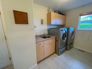 Photo 10: 6231 SUNRISE Boulevard in Sechelt: Sechelt District House for sale (Sunshine Coast)  : MLS®# R2589501