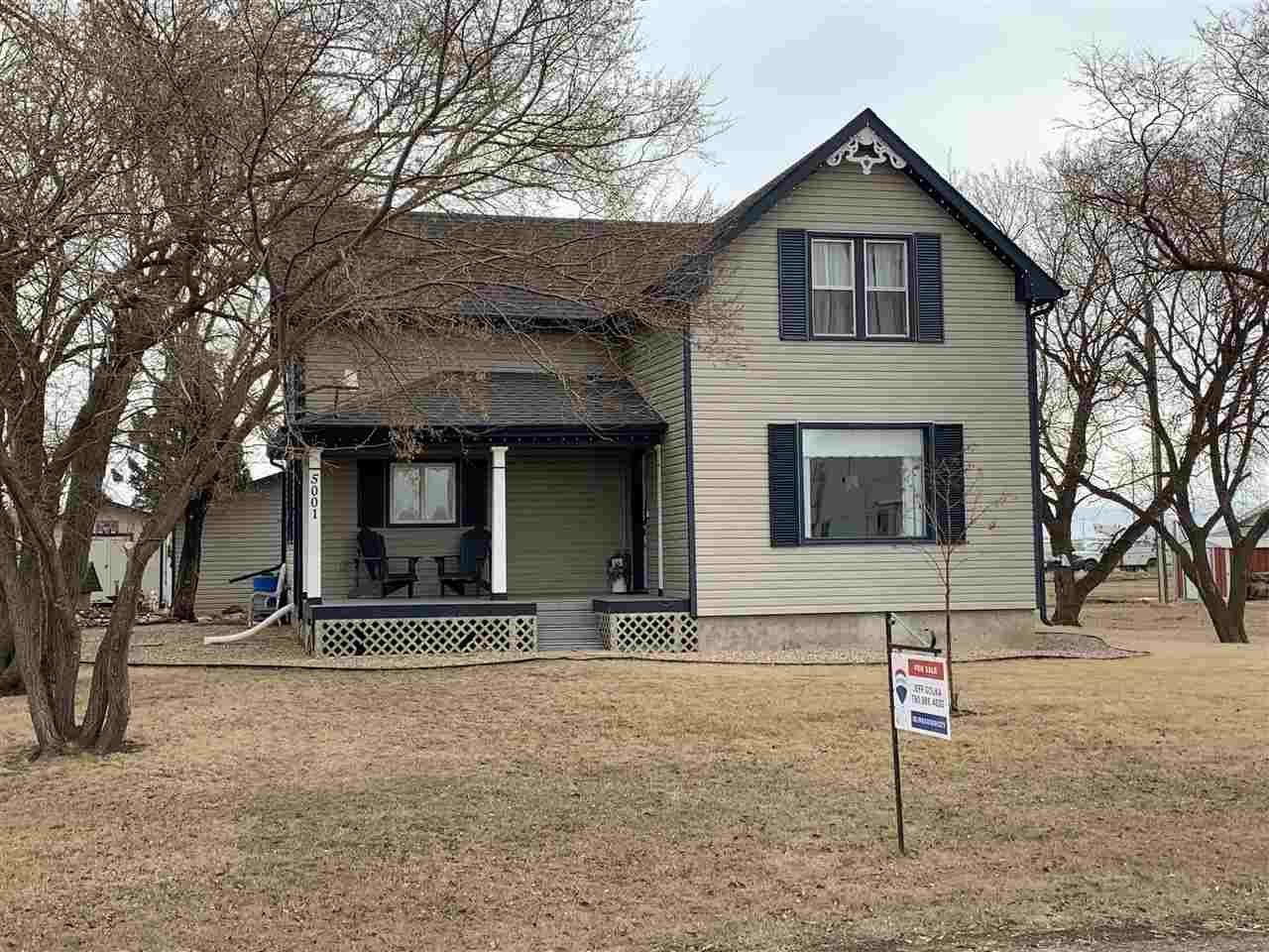 Main Photo: 5001 51 Street: Strome House for sale : MLS®# E4233634
