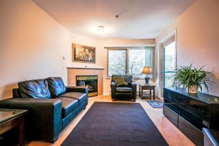 Photo 2: New Westminster Condo For Sale: 402 - 210 Carnarvon Street