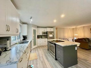 Photo 5: 101 Park Crescent in Dauphin: R30 Residential for sale (R30 - Dauphin and Area)  : MLS®# 202125015