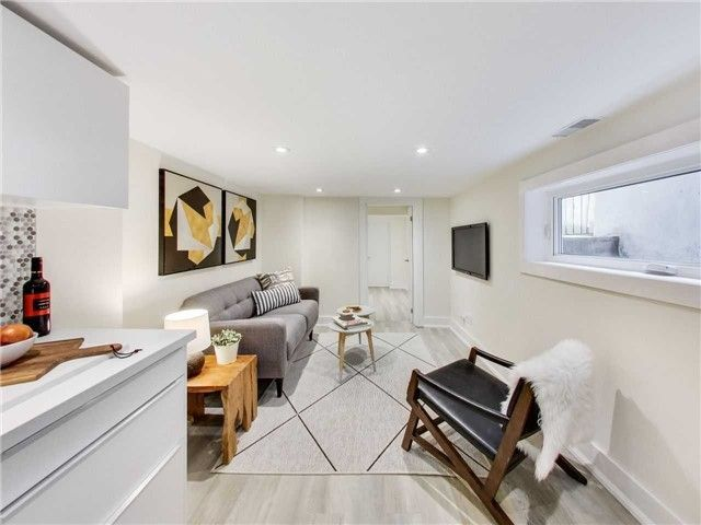 Photo 17: Photos: 601B Pape Avenue in Toronto: South Riverdale House (2 1/2 Storey) for lease (Toronto E01)  : MLS®# E4166068