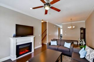 """Photo 4: 51 15399 GUILDFORD Drive in Surrey: Guildford Townhouse for sale in """"Guildford Green"""" (North Surrey)  : MLS®# R2053627"""