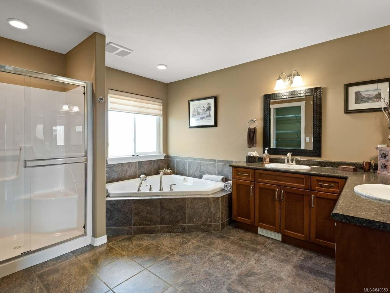 Photo 26: Photos: 206 Marie Pl in CAMPBELL RIVER: CR Willow Point House for sale (Campbell River)  : MLS®# 840853