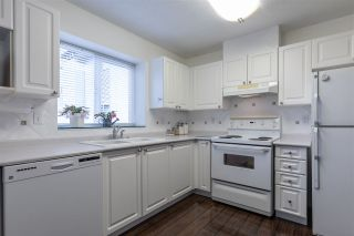 """Photo 11: 302 2526 LAKEVIEW Crescent in Abbotsford: Central Abbotsford Condo for sale in """"MILL SPRING MANOR"""" : MLS®# R2519449"""