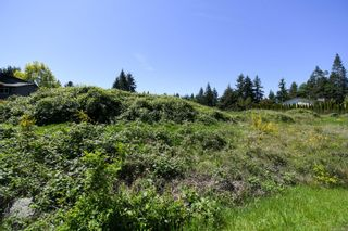 Photo 10: 2267 Seabank Rd in : CV Courtenay North Land for sale (Comox Valley)  : MLS®# 876071